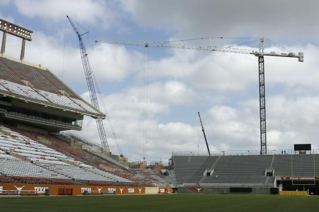 Texas Longhorns Wanting to Build a 2-Story, Indoor Football Practice Facility