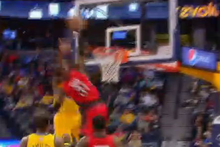 Terrence Ross Dunks on Kenneth Faried. Hard.