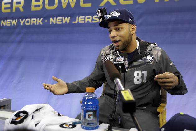 Golden Tate's Girlfriend Elise Pollard Compares Seahawks, Broncos Fans in Photo