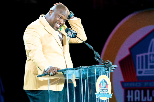 Michael Strahan Responds to Warren Sapp's Comments on Hall of Fame Candidacy