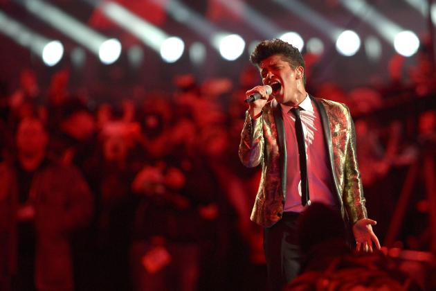 Super Bowl Halftime Show 2014: Highlights from MetLife Stadium's Midgame Act