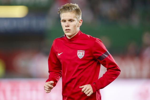 Report: Aron Johannsson Suffers 'Minor Thigh Strain'