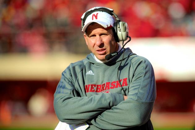Nebraska's Bo Pelini Wrestled OL Signee Tanner Farmer on Home Visit