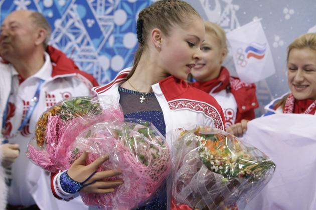 Russian Teen Yulia Lipnitskaya Steals Show in Olympic Figure Skating Team Trophy