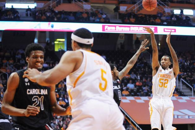 McRae, Tennessee Beat South Carolina 72-53