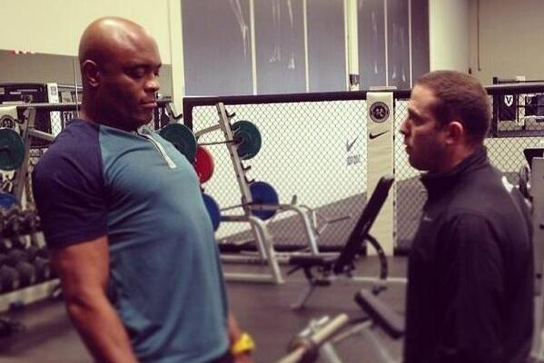 Anderson Silva Returns to Training Just 6 Weeks After Gruesome Leg Injury