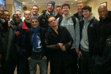 [PHOTO] Creighton Meets Bono in a New Jersey Airport