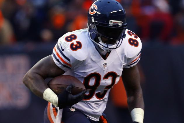 Martellus Bennett Honored as Bear of the Year