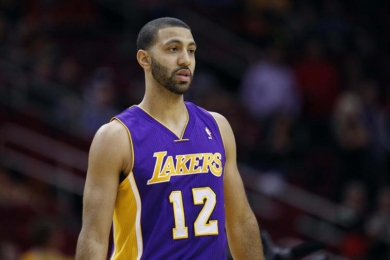 Lakers' Kendall Marshall Pranks Teammate Ryan Kelly Leading Up to Duke-UNC Game