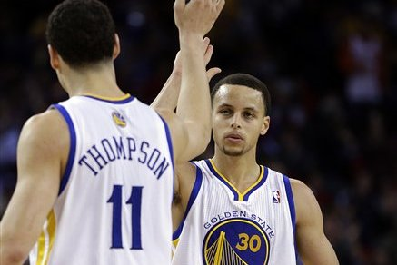 Stephen Curry and Klay Thompson Each Make Three-Pointer in 30 Consecutive Games