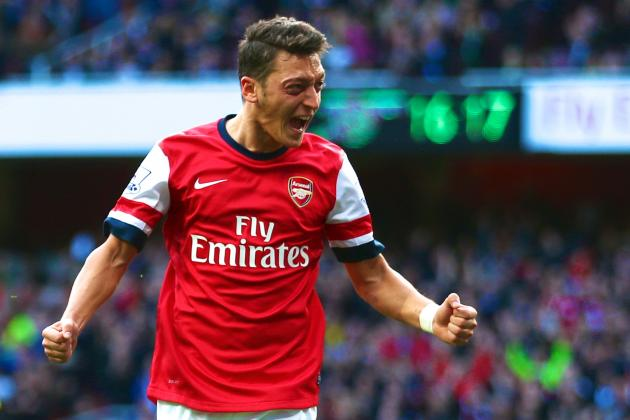 Can Arsenal Afford to Leave Out Midfielder Mesut Ozil vs. Manchester United?