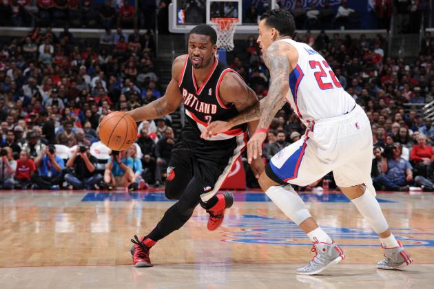 Clippers Hold off Blazers in Western Showdown