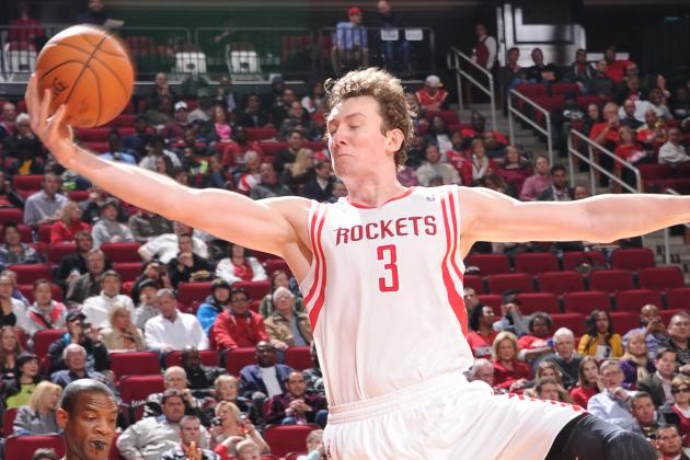 Debate: What Sort of Impact Do You See Asik Having This Season?