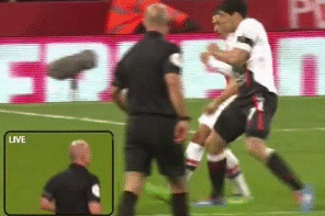 GIF: Luis Suarez Penalty Appeal Denied by Howard Webb vs. Arsenal
