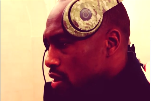Vernon Davis Makes Own Version of Beats by Dre Commercial for Curling