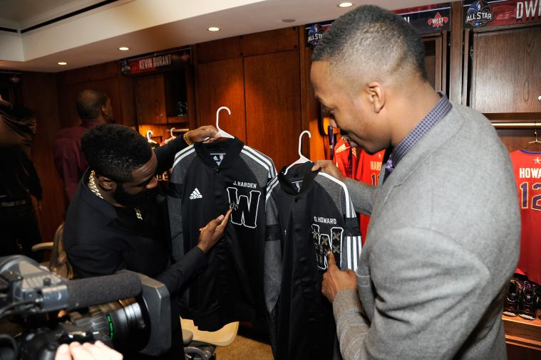 Dwight Howard Laughs at James Harden's Lack of Patches on All-Star Game Jacket