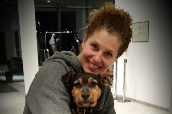 Lindsey Jacobellis Misses Medal at Sochi 2014 Games but Adopts Cute Stray Dog