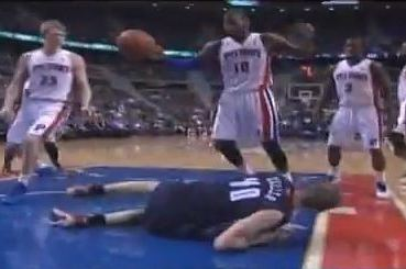 Pistons' Greg Monroe Destroys Bobcats' Cody Zeller While Going for Block