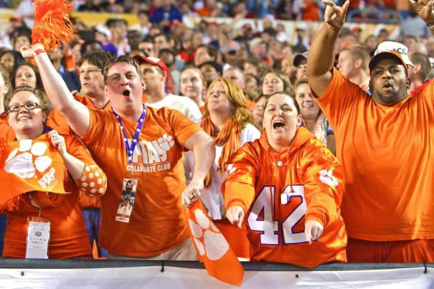Does College Football Have an Attendance Problem?