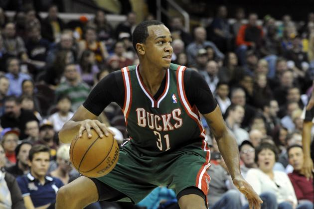 Milwaukee Bucks Reportedly 'Dangling' John Henson in Trade Discussions