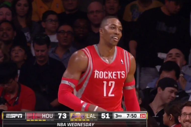 Dwight Howard Joins in on 'Howard Sucks' Chant at Staples Center