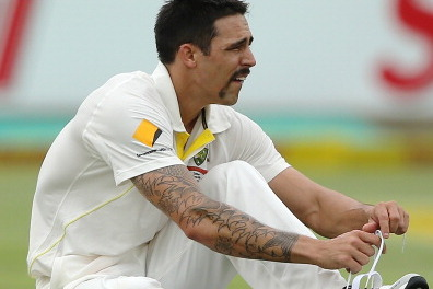 Mitchell Johnson Mocked by South Africa Banner, Laughs It Off