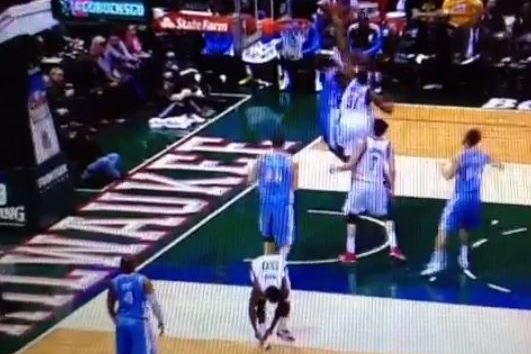 Bucks' O.J. Mayo Decides to Tie Shoe Rather Than Play Defense