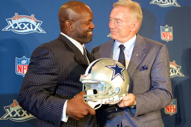 Emmitt Smith Supports Jerry Jones, Says He'd Consider a Role with the Cowboys