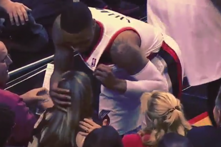 Trail Blazers' Damian Lillard Wipes Fan's Head with Jersey After Spilled Drink