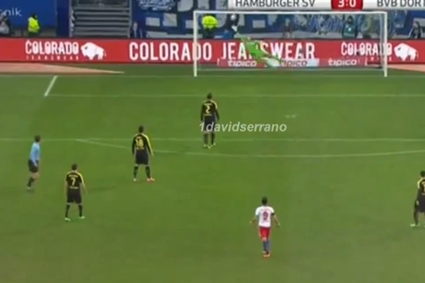 GIF: Hamburg's Hakan Calhanoglu Scores Long-Range Free Kick Against Dortmund