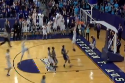 Stephen F. Austin Wins 22nd Straight in Dramatic Fashion (VIDEO)