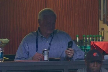 Haslam Uses Flip Phone Despite Being Worth $1.45B