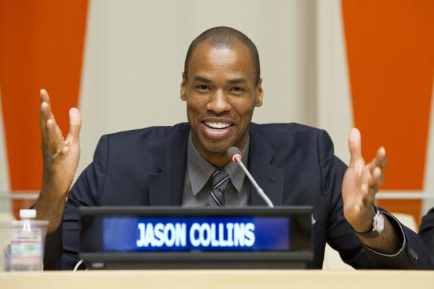 Twitter Reacts to Jason Collins Signing with Brooklyn Nets