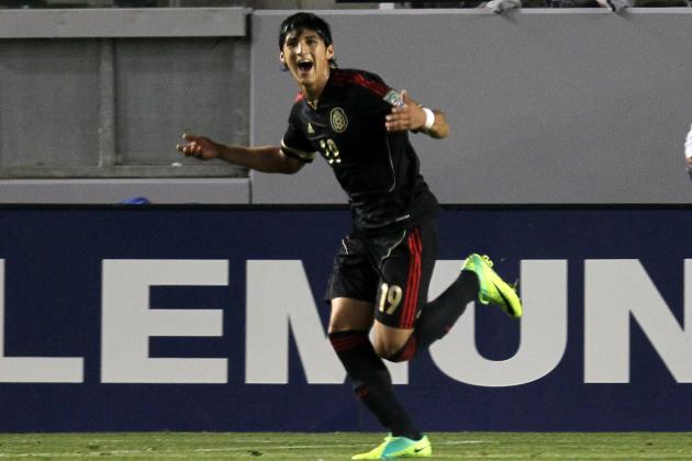 Mexico: What Alan Pulido Must Do to Secure a Spot in El Tri's World Cup Squad