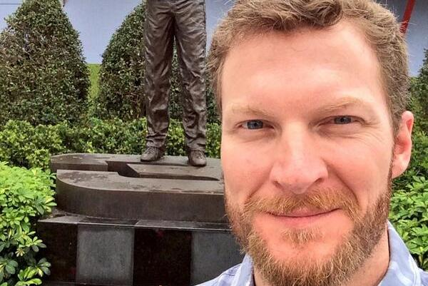 Dale Earnhardt Jr. Takes Selfie with Statue of Father at Daytona 500