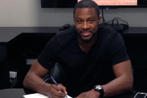 Raiders Sign Taiwan Jones to Contract Extension