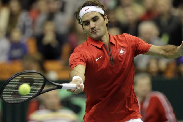 Video: Federer Shows off His Touch with a 'Tweener' in Dubai