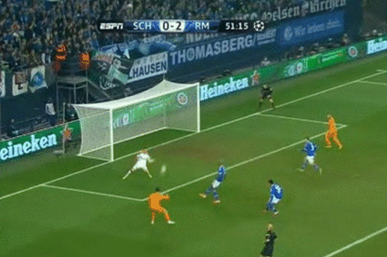 GIF: Cristiano Ronaldo Bags a Brace in Real Madrid's Huge Win over Schalke