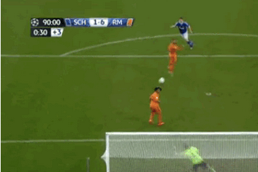 GIF: Klaas-Jan Huntelaar Scores Ridiculous Goal on Volley While Down Six Goals