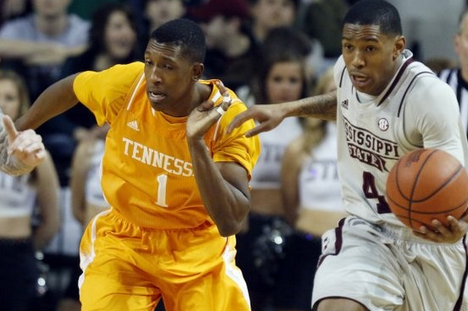 Vols' 38-Pt Win Largest in SEC This Season