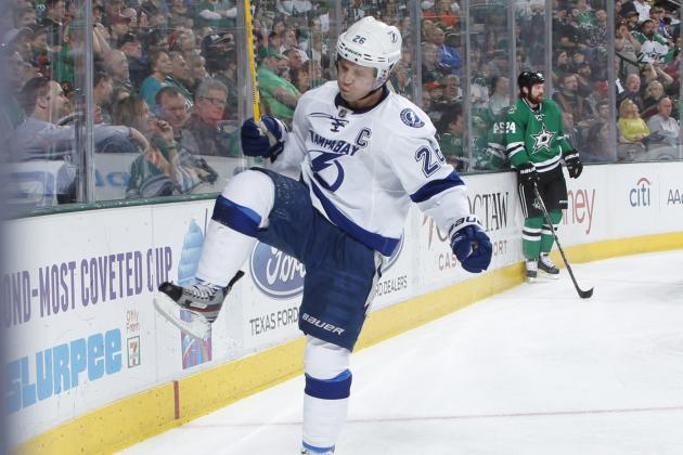 St. Louis Again Nets 2 as Lightning Top Stars