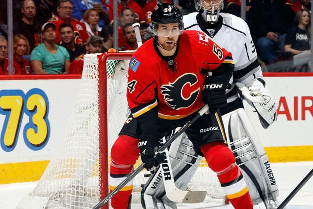 Flames' Jones Won't Return After Suffering Upper-Body Injury