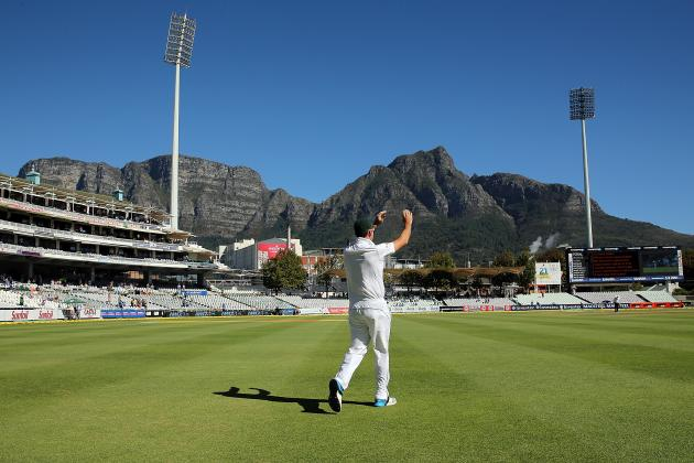 GIF: Graeme Smith's Guard of Honour in Last South Africa Innings Before Retiring