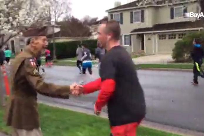 Runners Stop Mid-Race to Pay Tribute to 95-Year-Old WWII Vet