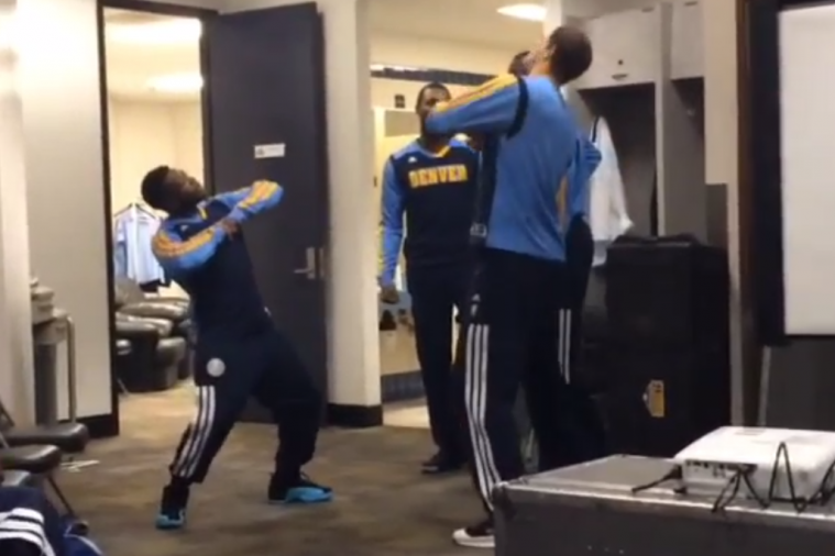 Nate Robinson and Timofey Mozgov Break It Down in Denver Nuggets' Locker Room