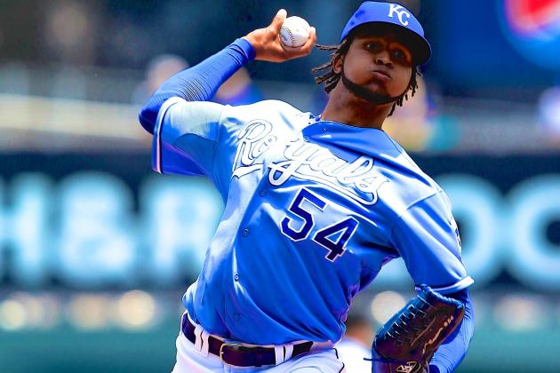Why Are MLB Teams so Wary of Top Free-Agent Pitcher Ervin Santana?