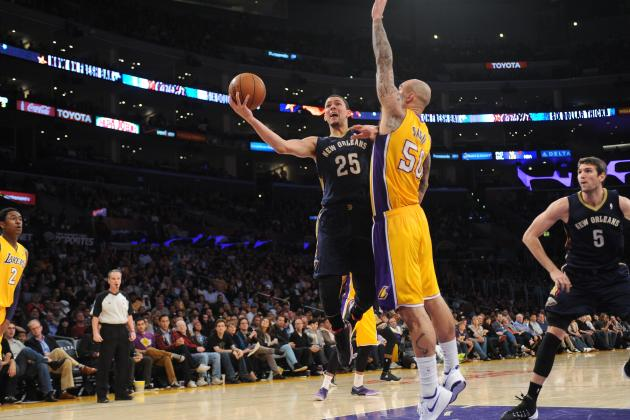 Mike D'Antoni Calls Robert Sacre Los Angeles Lakers' 'Best Defensive Player'
