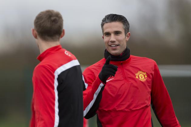 Manchester United Transfer News: Red Devils Must Sell Robin Van Persie