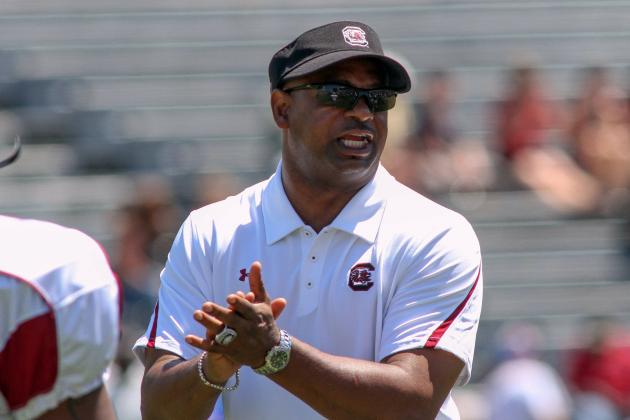 South Carolina Implementing More of a 3-4 Defense Would Be Good Move