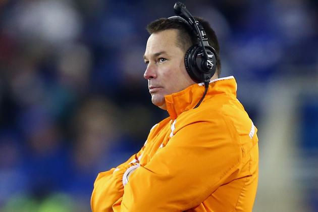 Jones Says Vols' QB Competition 'Will Take Care of Itself'